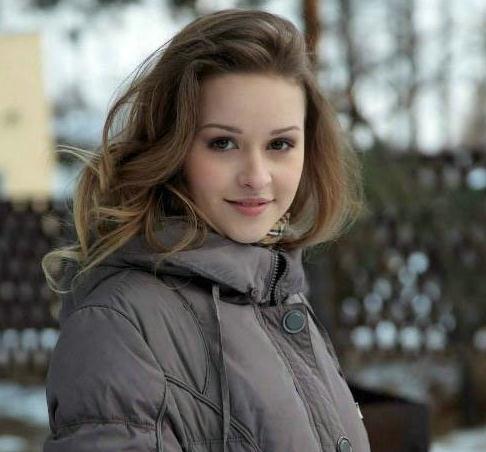 实拍乌克兰街头美女:体态婀娜让人怦然心动
