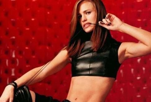 盘点全球顶级12大美女富豪:性感漂亮还是单大盟主一次飘红身