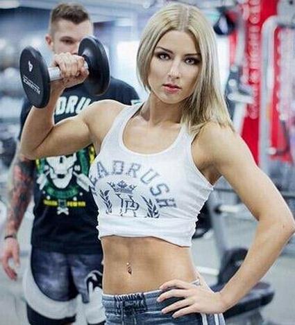 俄最美女拳王自曝择偶条件:打赢我做她女人