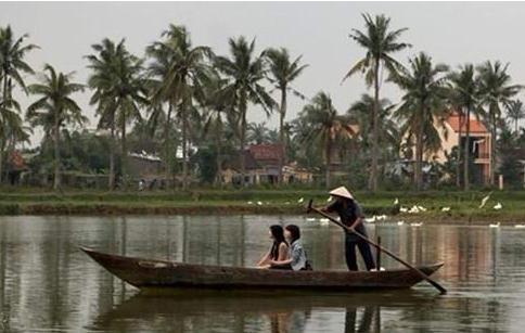 越南少女出卖身体养家 价格便宜又漂亮