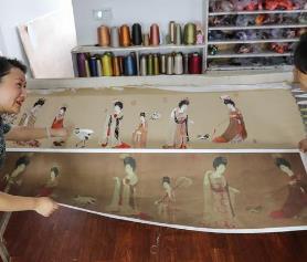 绣斋创始人王勤利用苏绣展现不一样的名画色彩