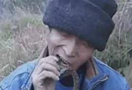 男子生吃活蛇20年,体检结果让人大吃一惊