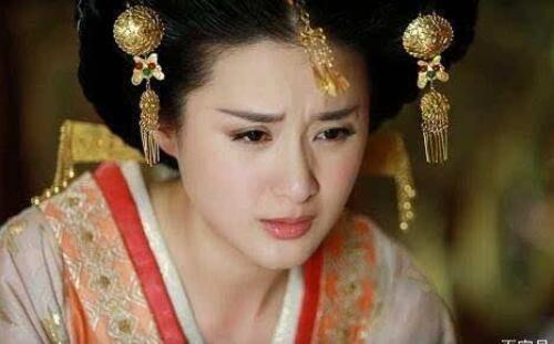 中国古代史上最传奇的皇后:嫁了两个皇帝,一生5废6立