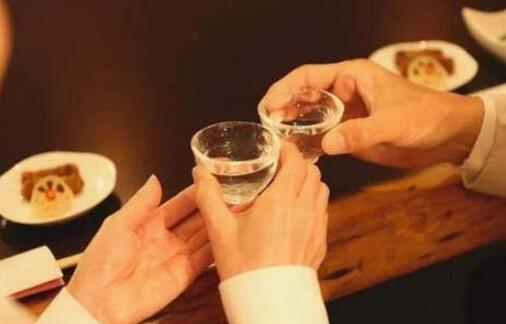 每天坚持喝一杯白酒,这6个好处你能想到吗?