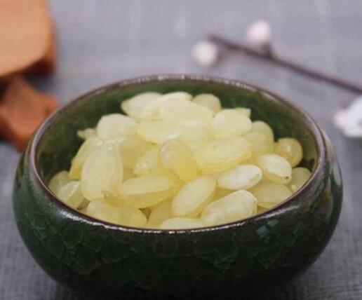 别乱打玻尿酸:常吃这6大天然食物,皮肤紧致有弹性