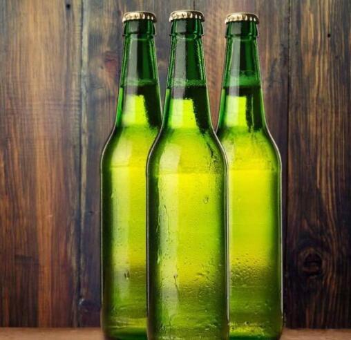 颈椎病的福音:只需1个啤酒瓶,缓解颈肩疼痛