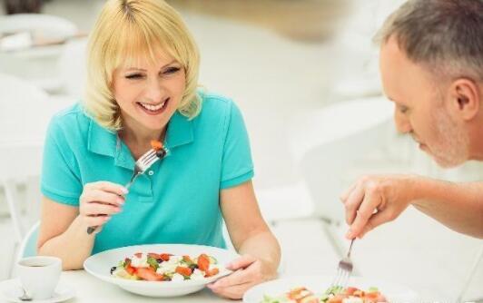 高血压请注意:饭前睡前记牢这几句话,让血压变稳