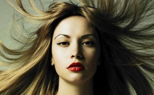选购洗发水的误区:这2种不要买用错毁头发