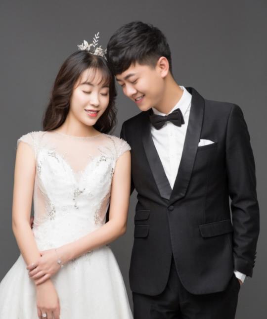 快手杨欣宇个人资料:杨欣宇高火火的结婚照