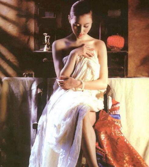 中國人體寫真第一人湯加麗,湯加麗人體藝術照大全