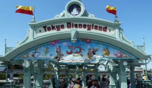 全球十大主题公园人气排行榜,神奇王国最受欢迎