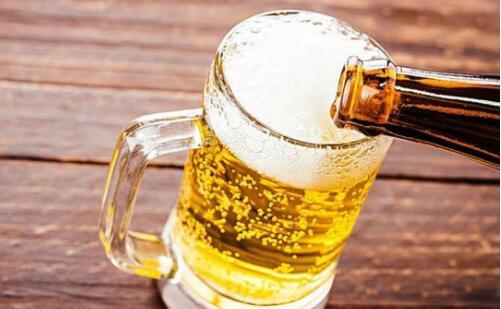 啤酒不能和哪些飲品一塊喝?喝啤酒時千萬別吃4種菜