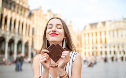 推荐10种能让你心情变好的食物, 黑巧克力排第一