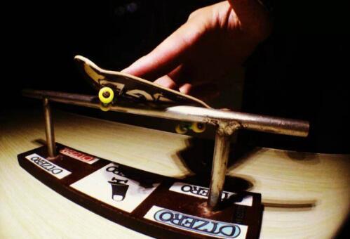 盘点最有趣的十大手部极限运动,转笔也上榜你会几个?