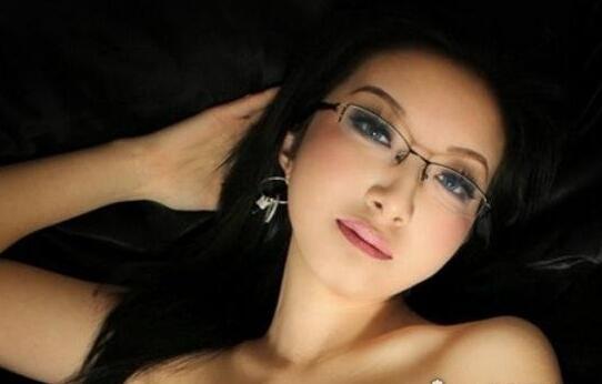 盘点中国十大裸模:中国十大人体艺术美女模特(图)
