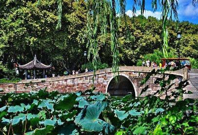 描写西湖的诗句有哪些,十首赞美西湖的古诗盘点