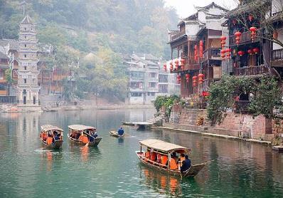 春节去哪里旅游比�较好,十大国内过年适�@一行人也就合旅游的地方