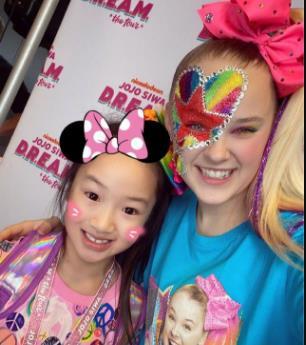 吴尊带女看演唱会,亲自带女儿看偶像演唱会太棒了吧