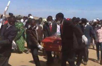 安哥拉大老爹去世:娶了40多位妻子生了281个孩子