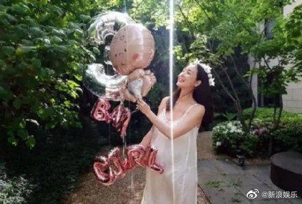 44歲崔智友產女不容易,肚子里寶寶果然是女孩