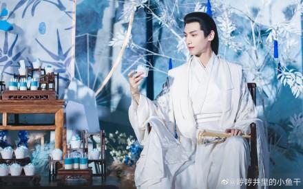 月上重火定档5月28日三网联播,罗云熙古装太帅气了