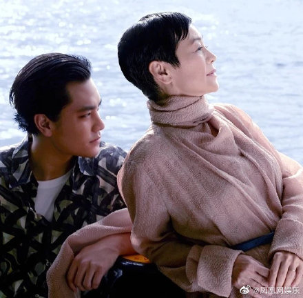 张艾嘉和儿子同框合照曝光,独子王令尘终于公开露面
