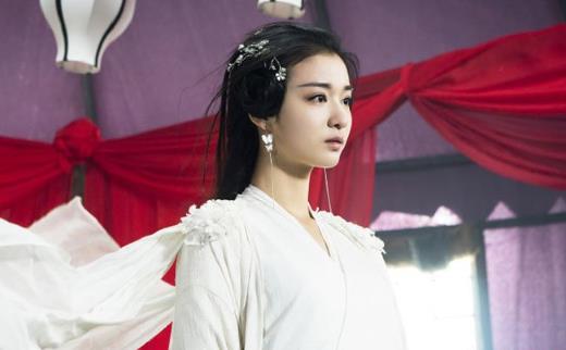 王楚然回应撞脸刘亦菲说了什么,两人对比照片难分清