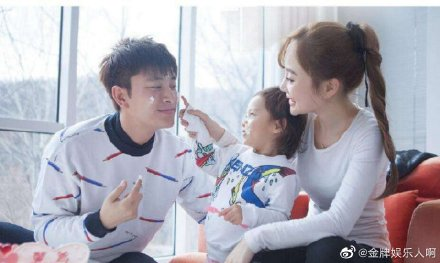 贾乃亮删除李小璐同款热舞视频,疑似否认复合的说法