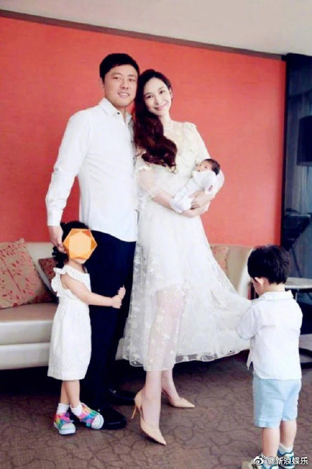 吴佩慈称不会再生了,6年生四个孩子还是未婚状态