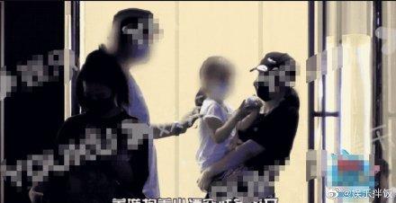 高云翔帶女兒見董璇,董璇全程和高云翔無交流