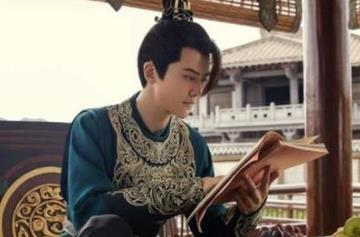 庆余年二皇子扮演者是谁他是怎么死的