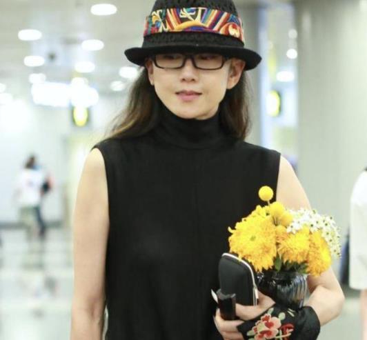 杨丽萍回应未婚未育争议,霸气�K又不失优雅点赞陈数