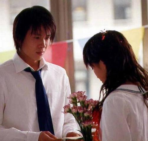 李智楠给金莎投票,18年前的CP甜蜜互动回忆满满