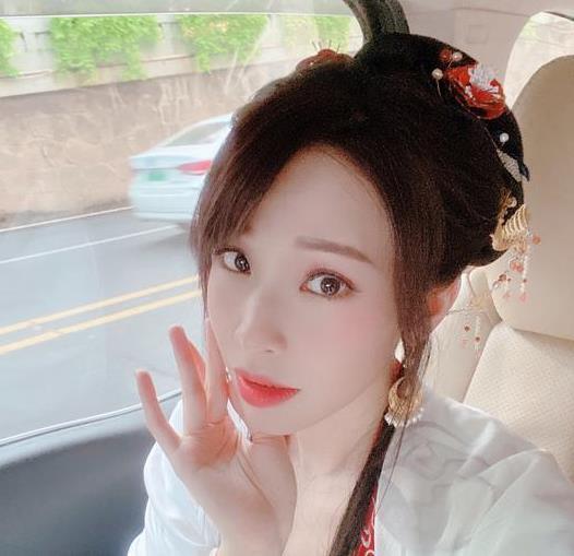 袁咏琳☆遇车祸晒照报平安∴,现场画面曝光让人后怕