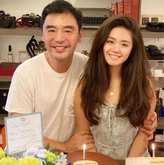 钟镇涛否认女儿」结婚称美丽的误会,具体详】情始末介绍